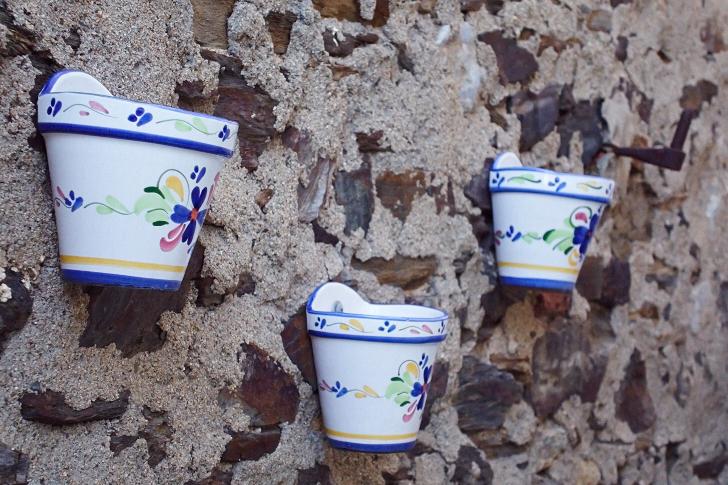 Krukor på vägg, Collioure