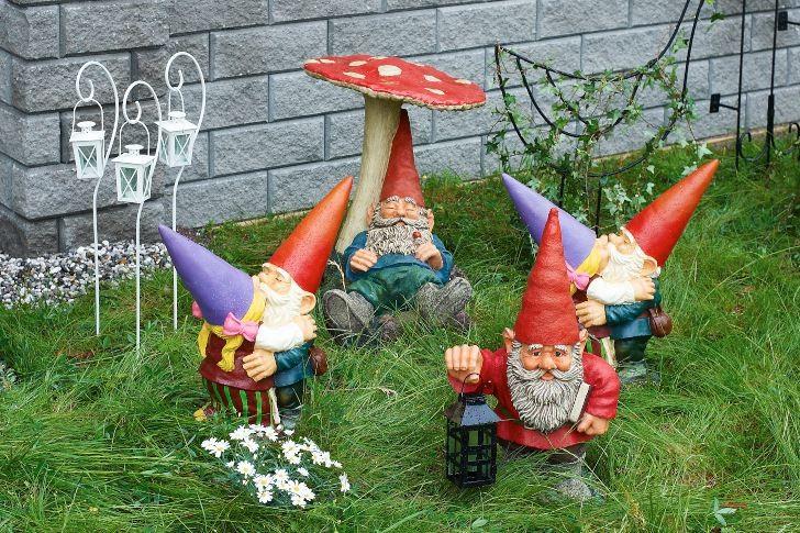 Låt inte trädgårdstomtarna vara utan sällskap.