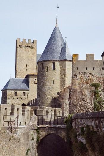 Torn och tinnar vid dagens entré till Carcassonne