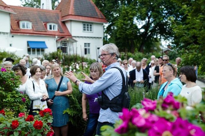 Lars Krantz berättarom Rosenträdgården i Wij trädgårdar
