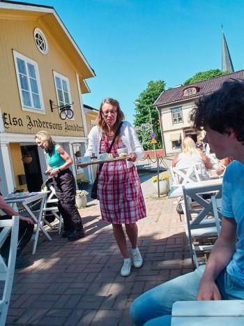 Till bords. Elsa Andersson i Norberg