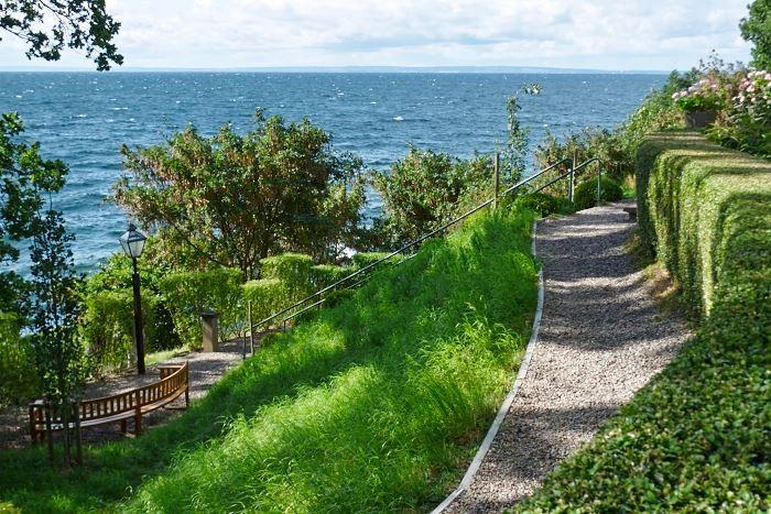 Vid Vätterns branta strand anlade Ellen Key sitt hem Strand. Fortfarande är det en inspirationskälla för oss alla.