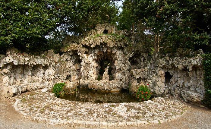 Il grottesco, Villa Oliva, Toscana