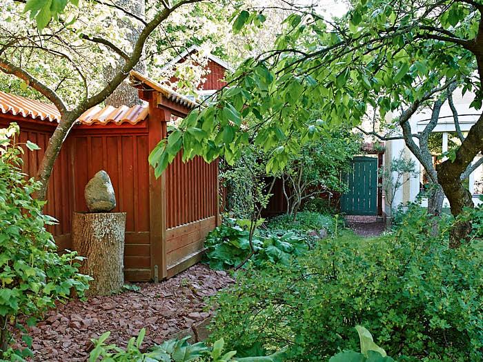 Planket var det stora lyftet. Med det bildas rum, trädgården uppfattas som mycket större.